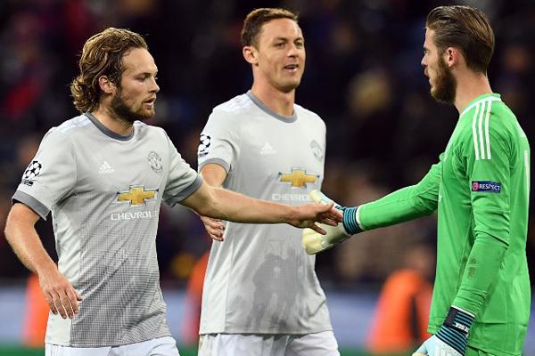 Avrupa futbolunun önemli liglerinde bu sezon kalesine duvar ören formda file bekçileri, yüksek performanslarıyla takımının başarısında büyük rol oynuyor.
