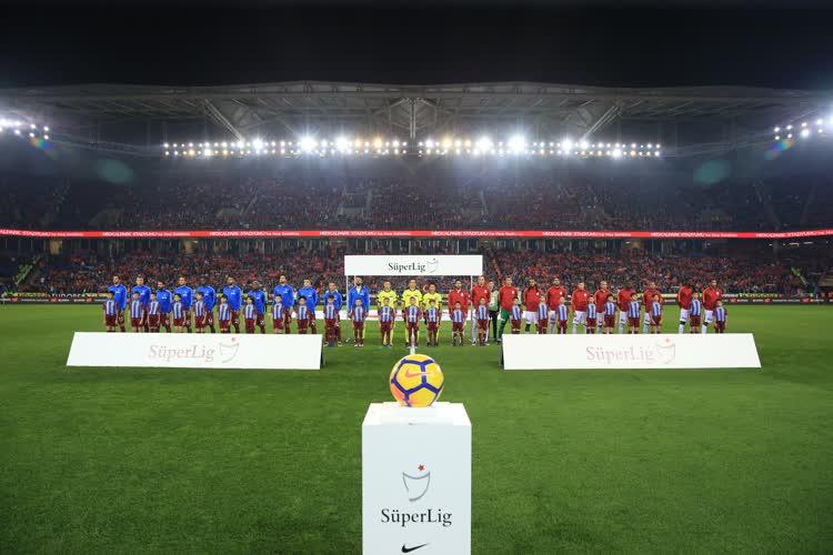 Spor yazarları dev maçı yorumladı