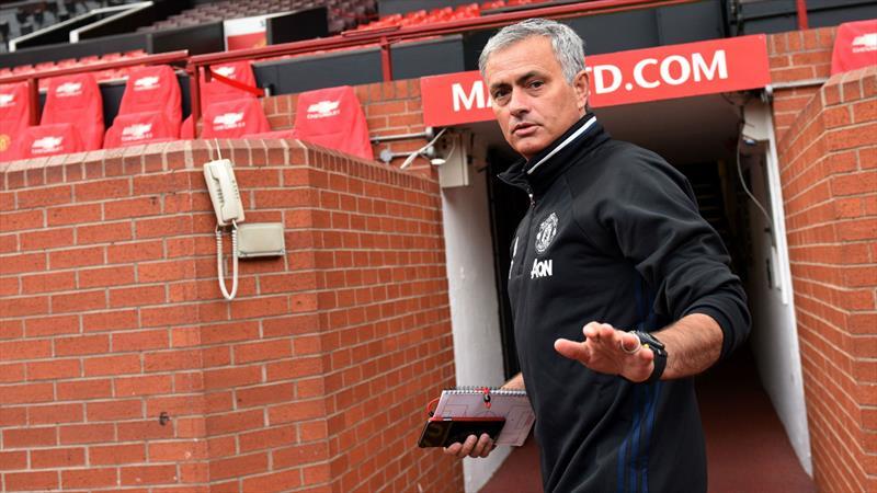 """""""Mourinho şikayet etmeyi bırakmalı"""""""