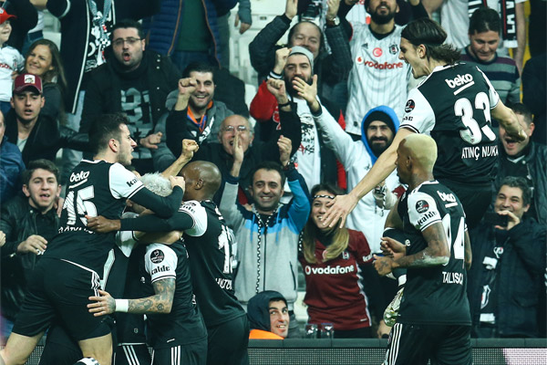 Beşiktaş -  Akhisar Belediyespor maçından en güzel kareler burada...