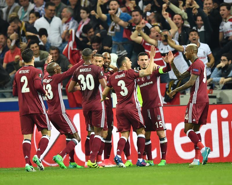 Ezeli rakiplerden Beşiktaş'a Lyon'da destek!