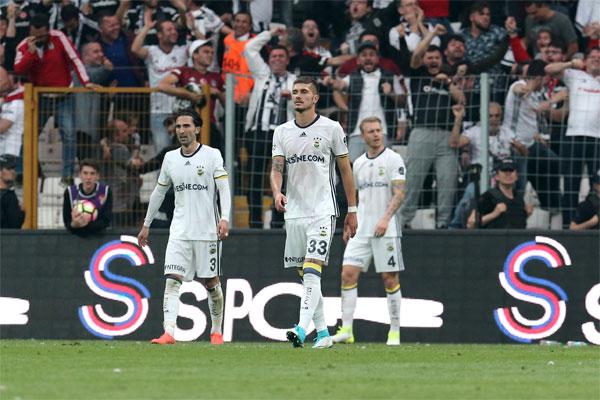 Süper Lig'de şampiyonluk şansını büyük ölçüde yitiren Fenerbahçe'nin istatistikleri acı bir gerçeği ortaya çıkardı.