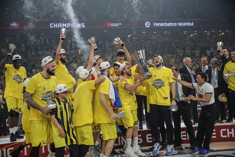 Dış basında Fenerbahçe'nin zaferi var!