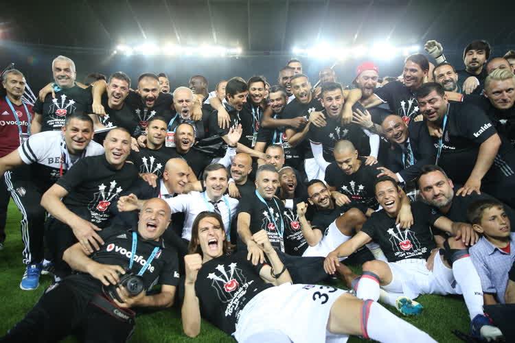 Tüm dünya Beşiktaş'ın şampiyonluğunu konuşuyor!