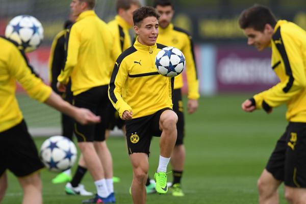 Borussia Dortmund'da bu sezon kalıp kalmayacağı merak edilen Emre Mor'un kaderi, Alman kulübündün yarın başlayacak olan bir haftalık İsviçre kampından sonra belli olacağı belirtildi.
