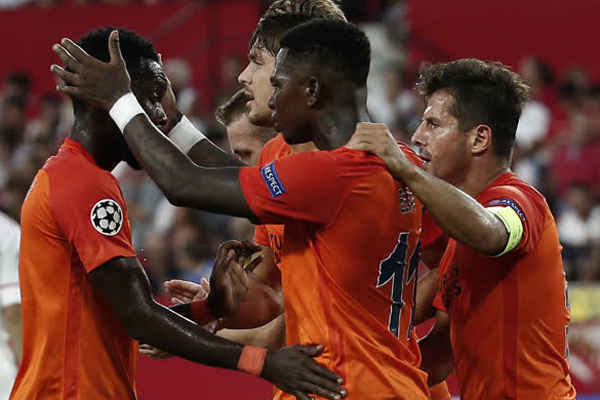 Spor yazarları Sevilla - Medipol Başakşehir maçını değerlendirdi...