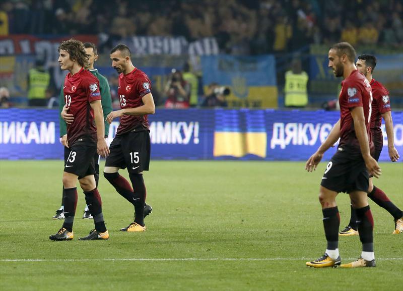 Spor yazarları Ukrayna-Türkiye maçını yorumladı