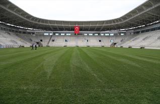 Yeni Ordu Stadı'na çim serildi