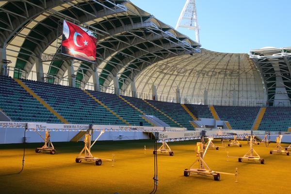 Süper Lig ekiplerinden Teleset Mobilya Akhisarspor, ikinci yarıda maçlarını yeni stadında oynayacak.
