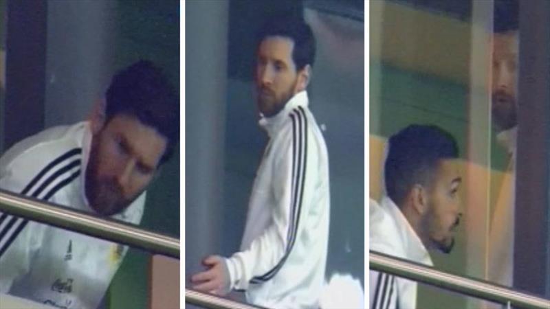 Messi tribünü terk etti