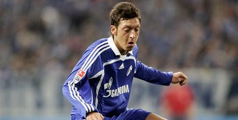 Schalke'de Mesut Özil şoku