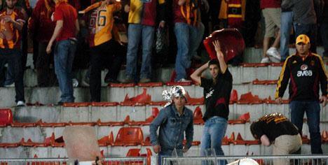 Ali Sami Yen'de bayrak krizi