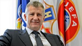 Efsane UEFA yöneticiliğine aday