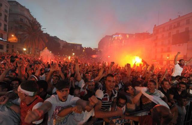 Cezayir Arapları mest etti