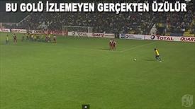 David Beckham golü attı