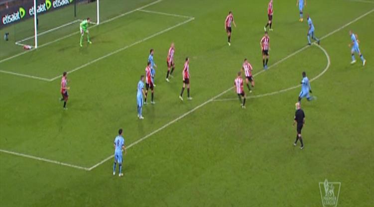 Yaya Toure'den efsane bir gol!