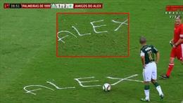 Jübileden unutulmaz bir an! Köpükle Alex yazdı!