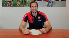 Petr Cech resmen Arsenal'de!