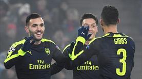 Perez şov yaptı, Arsenal lider çıktı!