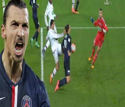 Ibrahimovic yeni bir şey denedi! Bir tek böyle gol atmamıştı...