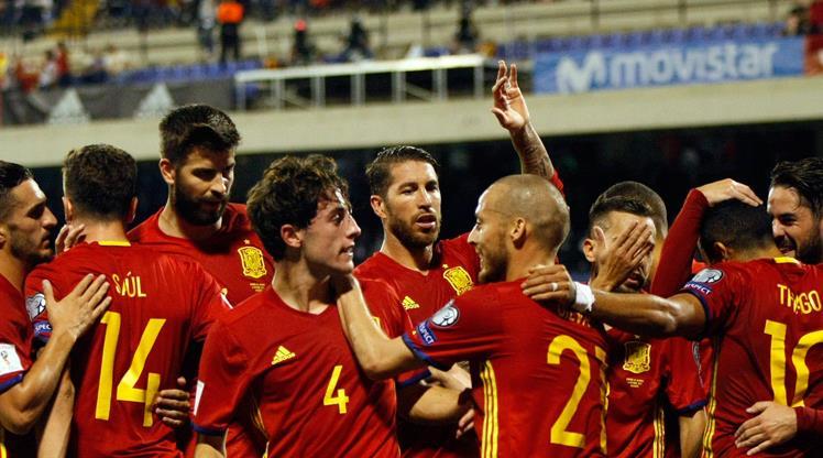 İspanya şovla bileti aldı! (ÖZET)