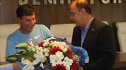 Giray Bulak'a çiçekli veda