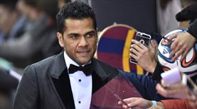 Alves Barça yönetimini topa tuttu