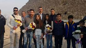 Messi Giza piramitlerini gezdi
