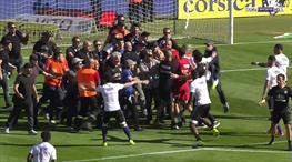 Bastia taraftarından Lyonlu futbolculara saldırı!