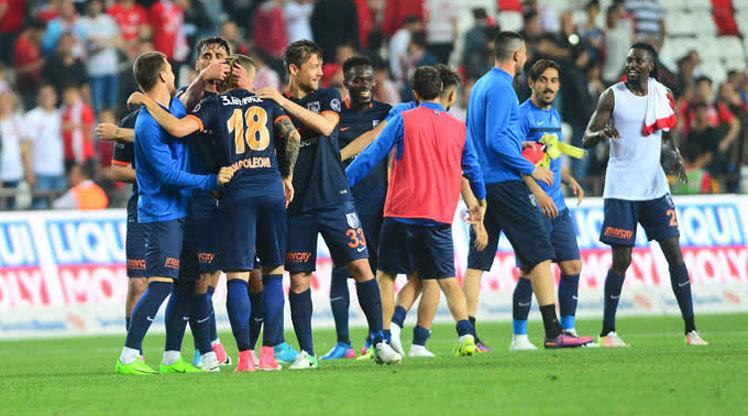 Başakşehir'in hedefi! 6 maç ve 2 kupa
