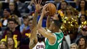 Boston Celtics süpürülmekten kurtuldu (ÖZET)