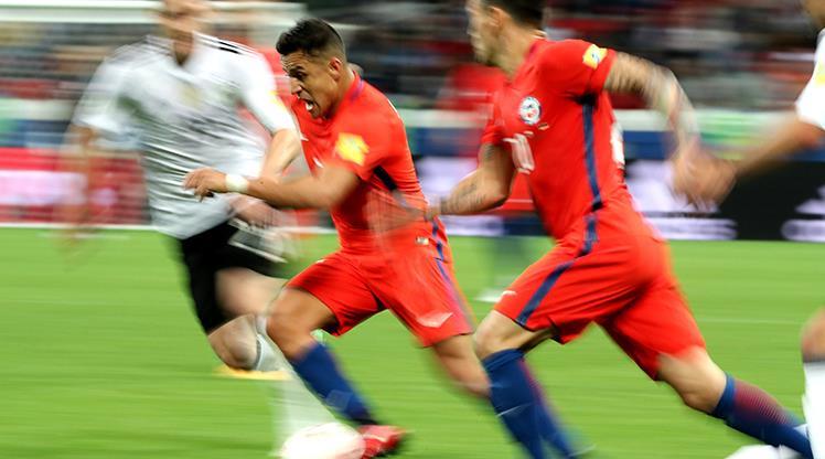 Sanchez'in tarihi gecesinde kazanan çıkmadı!