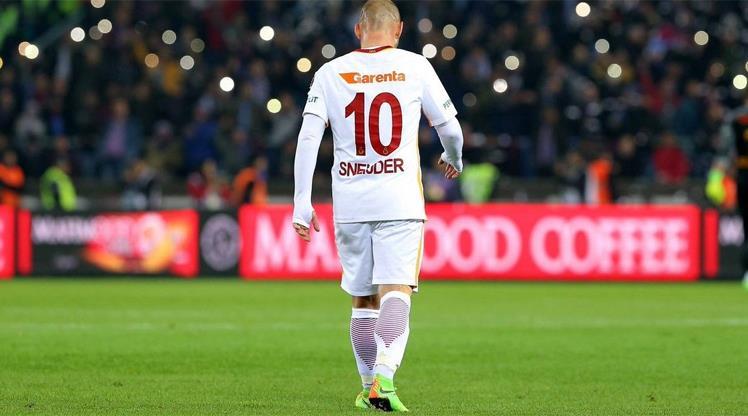 Aslan'dan Sneijder mesajı