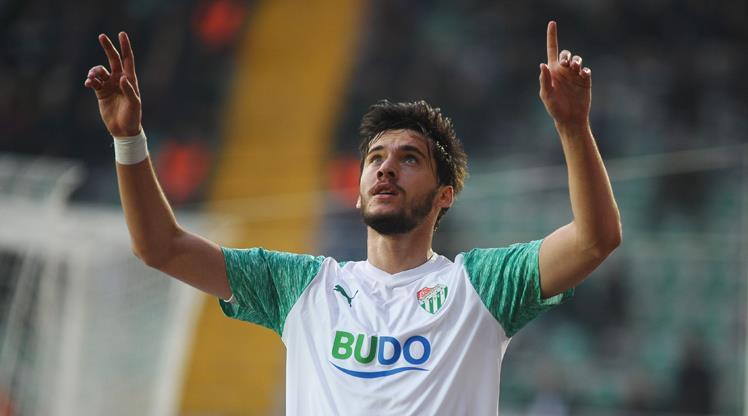 Timsah'ın yeni golcüsü Umut Nayir