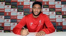 Liverpool Gomez'i bırakmadı