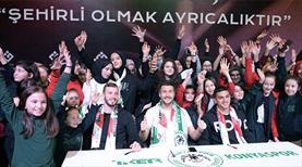 Konyasporlu oyuncular öğrencilerle buluştu