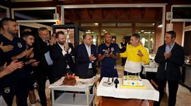Ersun Yanal ve Ayew'e doğum günü kutlaması