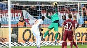 Adebayor en sevdiği işi Trabzon'da da yaptı