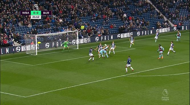 Barnes'tan 'Puskas'lık gol!