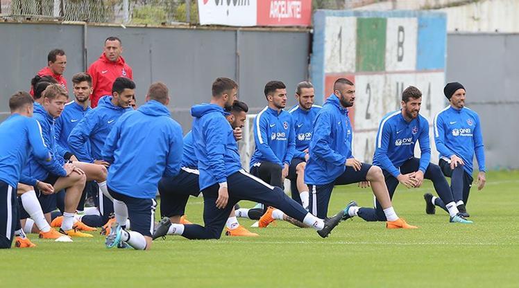 Trabzonspor 2 eksikle çalıştı