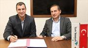 Türk Telekom Burak Gören'le uzattı