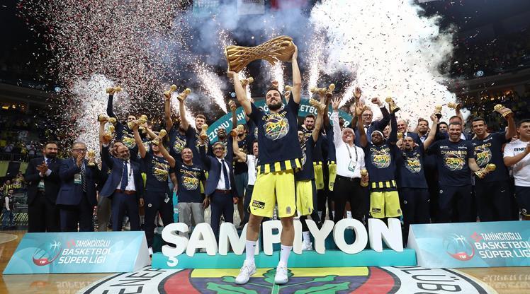 Fenerbahçe Doğuş'tan tarihi şampiyonluk