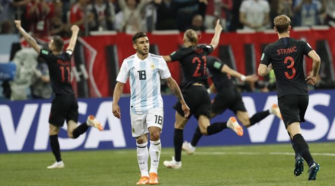Tangoyu Hırvatlar yaptı! Messi'li Arjantin'i dağıttılar