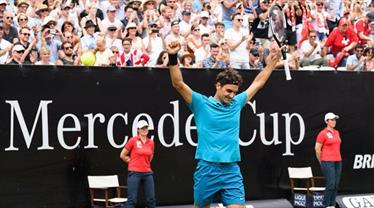 Federer zirveyi Nadal'a bıraktı
