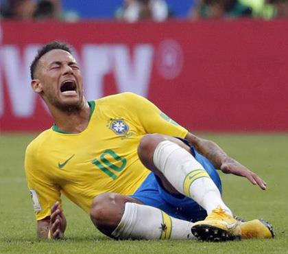 Neymar 'Palyaço' eleştirilerine cevap verdi!