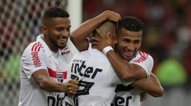 Zirve yangın yeri! Diegolu Flamengo evinde yıkıldı (ÖZET)