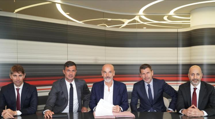 Milan, Pioli'yi resmen açıkladı