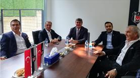 Beşiktaş'ta başkan adayları buluştu