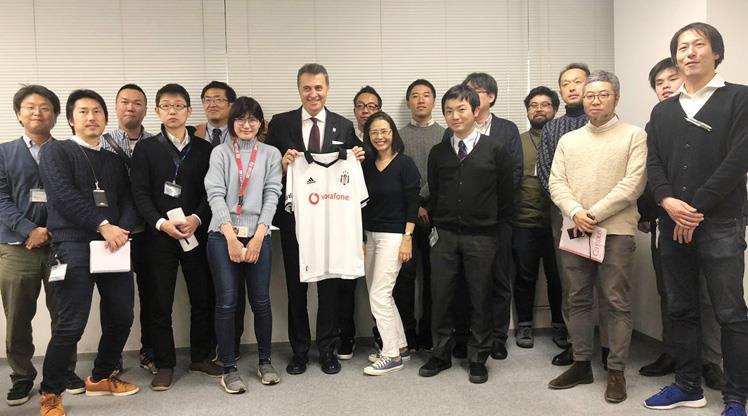 Orman, Japon gazetecilerle buluştu