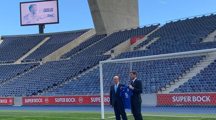 Porto Casillas ile uzattı